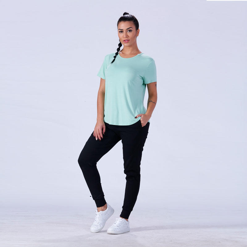exquisite female t shirt crop in different color exercise room
